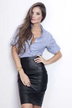 Once I can fit back into my leather skirt, I'm totally wearing this outfit. Cute!!