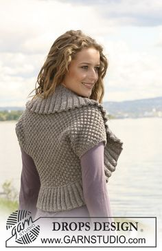 "Knitted DROPS bolero in berry pattern and rib in ""Alaska"". Size S-XXXL. ~ DROPS Design"