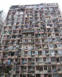 Old Hong Kong - 1990 & Love this city! Slums, China Travel, Brutalist, Abandoned Places, Urban Decay, Hong Kong, Architecture Design, Scenery, Places To Visit