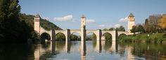 Le Pont Valentré à Cahors, patrimoine mondial de l'Unesco | Office de Tourisme du Grand Cahors - Vacances Lot Sud Ouest France, Grands Sites Midi-Pyrénées