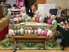 Love the bench. Craft fair display ideas