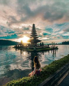 Enjoy the beautiful sunrise at Ulun Danu Bratan Temple, #Bali, #Indonesia  Photo by: IG @adisumerta