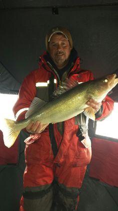 lake erie ice fishing walleye charters