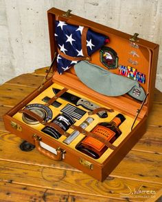 Unique and different retiree shadow box. A Tactical Gentleman's USAF SERE( Survival, Evasion, Resistance, Escape) Survival Kit Military Retirement, Military Gifts, Retirement Gifts, Retirement Ideas, Survival Gear, Survival Skills, Chihiro Cosplay, Military Shadow Box, Diy Shadow Box