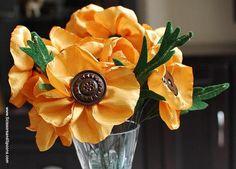 DIY Fabric Flowers  : DIY Vintage Button Flowers