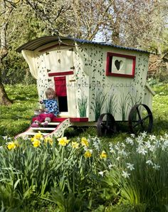 How less lazy would I be to feed chickens if they have a beautiful chicken coop? I drooled at these Chicken Coop designs, which one did you drool at the most? Easy Chicken Coop, Chicken Coop Designs, Gypsy Caravan, Gypsy Wagon, Bird Houses Diy, Play Houses, Cubby Houses, Hen House, Raising Chickens