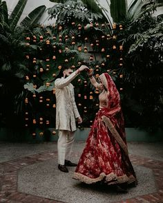 Decor Ideas For Your Intimate Wedding That Can Add A Classy Touch To Your Gathering Desi Wedding Decor, Wedding Flower Decorations, Wedding Colors, Wedding Day, Dream Wedding, Top Wedding Photographers, Professional Wedding Photography, Romantic Couples Tattoos, Magical Wedding