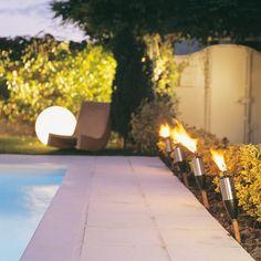 Torche jardin Pipe line 49cm x2 #lumière #jardin #outdoor #lights #garden #luminaire #détente #design #laboutiquedesjoyaux #desjoyaux #desjoyauxpools #piscine #piscines #pool