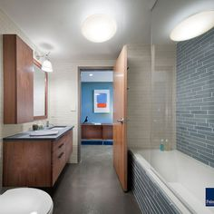 Bath Photos Midcentury Modern Bathrooms Design, Pictures, Remodel, Decor and Ideas - page 14 (concrete floor)