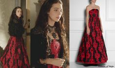 In the sixteenth episode Mary wears this sold out Alice+Olivia Kassandra Embroidered Strapless Gown. Worn with a feathered shrug, Deepa Gurn...
