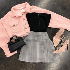 Back to Basics Scrunch Tube Top Black Teen Fashion Outfits Basics black Scrunch Top Tube Retro Outfits, Edgy Outfits, Mode Outfits, Cute Casual Outfits, Fall Outfits, Skirt Outfits, Summer Outfits, School Outfits, Black Outfits
