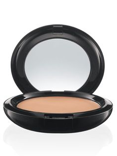 MAC Prep + Prime BB Beauty Balm Compact SPF 30 delivers SPF protection in a solid cream, packaged in a mirrored compact. Bb Beauty, Beauty Balm, Beauty Make Up, Beauty Shop, True Beauty, Beauty Women, Natural Beauty, Hair Beauty, Mac Makeup