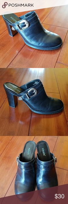 NICOLE BLACK LEATHER MULE W/SILVER BUCKLE ACCENT NICOLE BLACK LEATHER MULE W/SILVER BUCKLE ACCENT.  WORN A DOZEN TIMES,  STILL LOOK GREAT.  HAVE LOTS OF LIFE LEFT IN THEM Nicole by Nicole Miller Shoes Mules & Clogs
