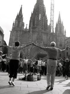 Dancers, Barcelona Photograph by Isabel Miesner, My Shot La Sardan, the Catalan National Dance, being performed in the Plaza de la Seu Spanish Festivals, Barcelona, National Geographic Travel, Photo B, Dancers, Mount Rushmore, Performing Arts, Country, Musicals