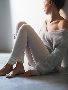 cozy footless tights and knits http://rstyle.me/n/v6he64ni6