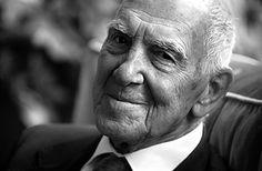 Grazie Stephane Hessel, nato a Berlino nel 1917 e morto il 27 febbraio 2013. Indignamoci e Impegnamoci ancora!