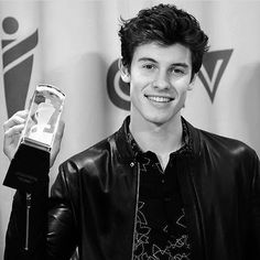 "1 Likes, 1 Comments - Shawn Mendes❤️ (@onlymendesss) on Instagram: ""WE DID IT❤️ @shawnmendes #shawnmendes #shawn #mendes #mendesarmy"""