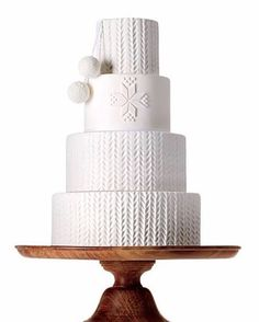 Cable-Knit Wedding Cakes Perfect for Your Winter Wedding