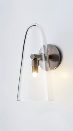 Articolo's collection of wall sconces expresses the essence of our design house. Experience the shadow play of light in our range. Hallway Light Fixtures, Kitchen Lighting Fixtures, Sconce Lighting, Cool Lighting, Lighting Design, House Lighting, Interior Design Games, Design Interiors, Wall Light Shades