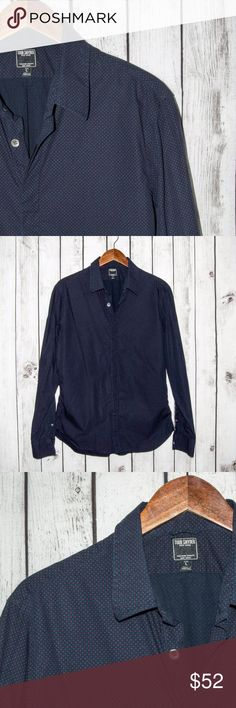 """TODD SNYDER New York Button Front Shirt Blue TODD SNYDER New York Men's Button Front Shirt Blue w/ Geo print Size Large  Size: Large (Please SEE measurements)  Shoulder to Shoulder: 19""""  Chest (armpit to armpit): 21.5""""  Length : 29""""  Sleeves: 25.5""""  Condition: Great overall Condition.  Color(s): Blue  Item # 17072646 Todd Snyder Shirts Casual Button Down Shirts"""