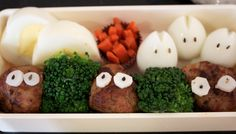 Isn't it cute! It's a Totoro themed bento! This was actually a project for my Japanese class (we were learning about Japanese food). Bento Box, Meatball, School Lunch, Totoro, Japanese Food, Nom Nom, Snacks, Dinner, Breakfast
