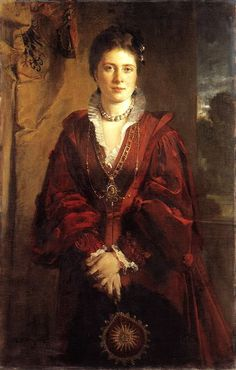 Empress Friedrich  the eldest child of Queen Victoria   (vicky)  the mother of Kaiser Wilhelm, who led the Germans against England in World War I  notice big pearl necklace
