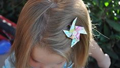 Diy pinwheel hair clips-for e & d to wear Diy Pinwheel, Diy Hair Accessories, Craft Tutorials, Craft Ideas, Stylish Kids, How To Make Bows, Sewing For Kids, Hair Today, Pinwheels