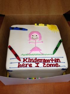 Preschool Graduation Cake // Preschool And Kindergarten Graduation images ideas from All About Kindergarten Preschool Graduation Speech, Kindergarten Party, Pre K Graduation, Graduation Theme, Graduation Ideas, Graduation Images, School Cake, School Parties, Preschool Crafts