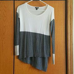 Express XS knit sweater Asymmetrical white and grey light knit sweater. Brand new and never been worn. Very light weight, great for summer nights! Express Sweaters Crew & Scoop Necks