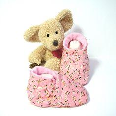 Chaussons bébé en coton rose fleuri doublés en polaire 0/3 mois Tricotmuse : Mode Bébé par tricotmuse