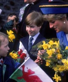British royal family photos - Prince William as a boy meets and greets with his mother Princess Diana.JPG