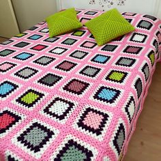 Manta Crochet, Crochet Bebe, Blanket, Knitting, Modern Crochet, Sewing Stitches, Crochet Bedspread, Bed Covers, Trapper Keeper