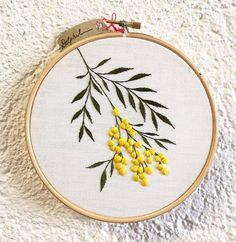 different kinds of hand embroidery stitches Hand Embroidery Videos, Hand Embroidery Flowers, Embroidery Stitches Tutorial, Simple Embroidery, Learn Embroidery, Modern Embroidery, Embroidery Hoop Art, Hand Embroidery Patterns, Embroidery Techniques