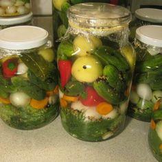 Ízletes vegyes savanyúság télre Recept képpel - Mindmegette.hu - Receptek - Befőzés Canning Pickles, Hungarian Recipes, Preserves, Cucumber, Food And Drink, Baking, Natural Remedies, Gastronomia, Pickling