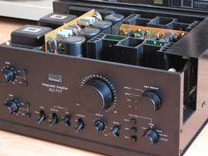 SANSUİ AU 717 amplifier