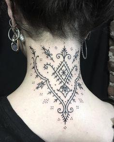 19 trendy ideas for modern art tattoo symbols Future Tattoos, Love Tattoos, Body Art Tattoos, Neck Tattoos, Watch Tattoos, Ethnisches Tattoo, Piercing Tattoo, Samoan Tattoo, Polynesian Tattoos