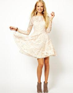 Robe du dimanche: de jolies petites robes blanches