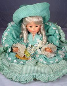 1960's dolls   Adriana by Furga- 1960s-1970s Hard Plastic Doll, Page 10