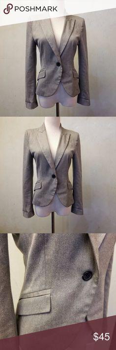 Zara gray blazer in perfect condition like new. ZARA Basic gray blazer with 1 button 2 pockets Zara Jackets & Coats Blazers