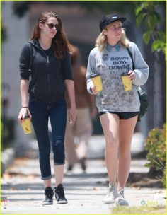 kristen getting coffee with a friend