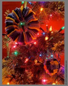 DIY christmas ornaments, step by step description.