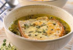 Fransk løksuppehttp://www.frukt.no/kokeboka/supper/fransk-loksuppe/