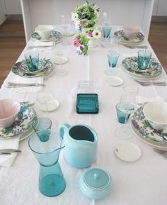 Arabia, Runo & KoKo.  turquoise table setting I MUST HAVE THIS