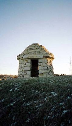 dry-stone cabin