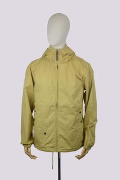 Pretty Green SS17 Sevenoaks Jacket in Sand. Slim fit design. Full front zip fastening with leather zip puller. Three pocket design with push stud fastening. Bra