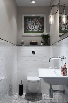 tiny attic bathroom Inspiration – Linn Bad Inspiration – Linn Bad Stile Libero hits the spirit of time in the concrete and terrazzo trend. Choice of washbasin and toilet in matt white or glossy white porcelain? Small Bathroom Tiles, Attic Bathroom, Bathroom Inspo, Bathroom Interior, Home Interior, Bathroom Inspiration, Interior Design Living Room, Corner Furniture, Guest Toilet