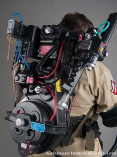 Ghostbusters prop proton pack replica by VikingProps Ghostbusters Proton Pack, Ghostbusters Toys, Extreme Ghostbusters, Gost Busters, Cosplay, Ghost Hunting, Movie Props, Tv, Backpacks