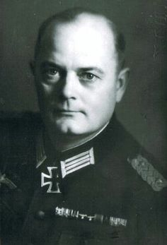 ■ Generalmajor Anton Glasl (1897-1965) - Kommandeur Gebirgsjäger Regiment 100. Recipient of the Knight's Cross.
