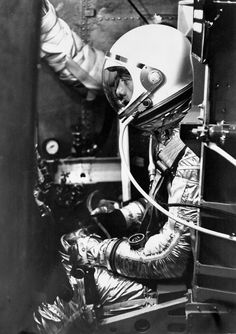 Mercury astronaut Alan Shepard prepares for testing in a capsule of the U. Navy's centrifuge in Johnsville, Pennsylvania, Astronauts In Space, Nasa Astronauts, Steampunk Machines, Project Mercury, Neil Armstrong, Major Tom, Vintage Space, Space Race, Space And Astronomy