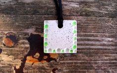 handmade concrete fluorescent medal ( madebyme: Csikós Kitti, instagram: csikoskitti)